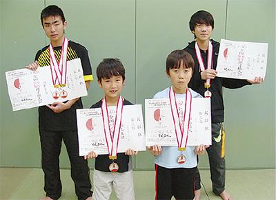 藤青選手4人が入賞