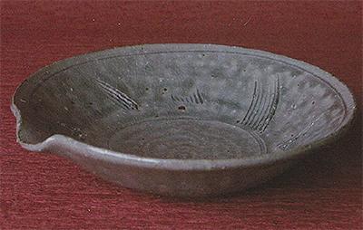 陶芸の美しさを味わう