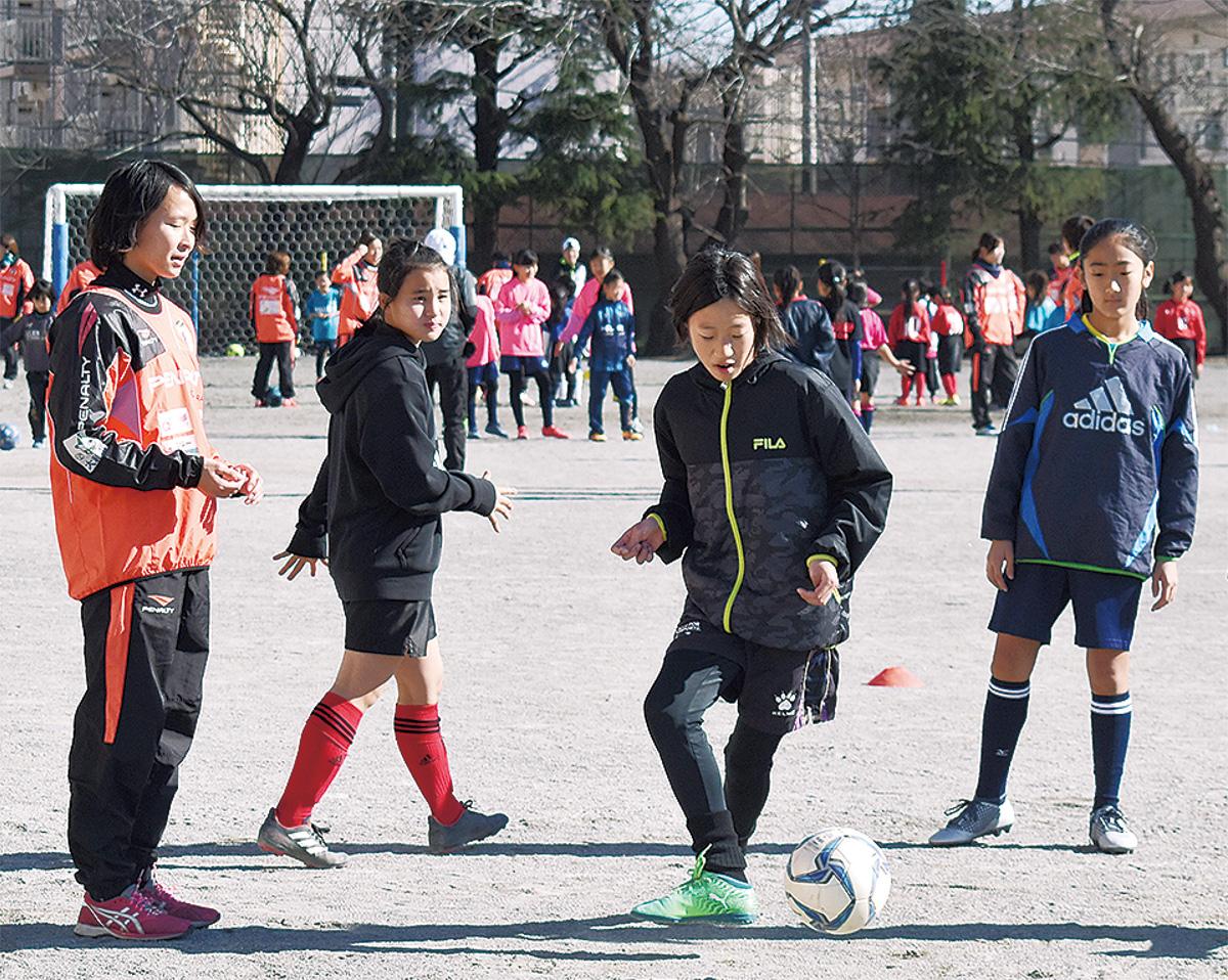 現役選手がサッカー教室