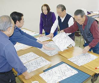 城址全体の立体模型制作に取り組む同会議のメンバー