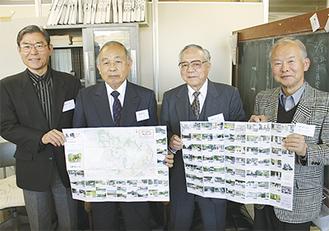 地図を手にする「玉縄 歴史の会」のメンバー
