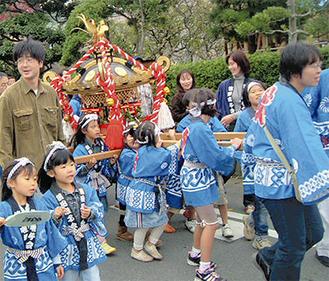 祭など、地域のふれあいを大切に(提供:笛田子ども会)