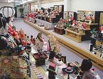 藤沢本店の三段飾りのフロア