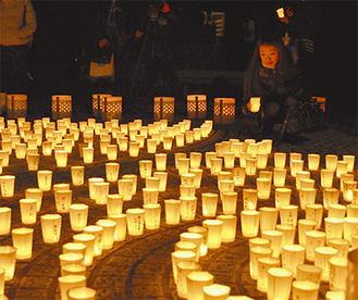 境内いっぱいに万灯が並べられた(今月10日長谷寺)