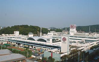 2015年3月に閉鎖を予定している、市内岩瀬の資生堂鎌倉工場=同社提供