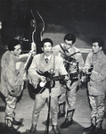 55年前のステージ。一番左が恭さん、一番右が恒さん
