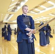 エストニアから来日、剣道修業中
