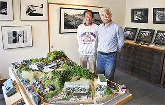 主催の小林さん(左)と釣巻さん