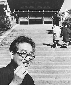 1959年鶴岡八幡宮で撮影