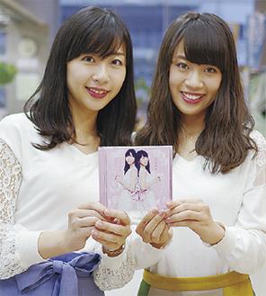華さん(左)と麗さん