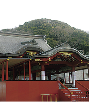 鶴岡八幡宮の舞殿