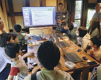 教育用キットを使ってプログラミングを学ぶ