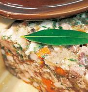人気フレンチ店で父子饗宴の「肉祭り」