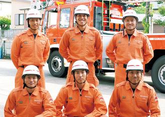 後列左から時計回りに吉田さん、高橋さん、村上さん、大橋さん、岸田さん、島崎さん