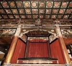 壁画が発見された厨子。上部の左右に描かれていた=同寺提供
