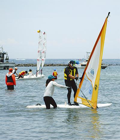 海スポーツ体験に90人