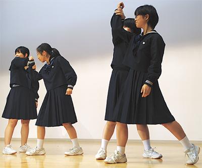 女子中学生 護身術に挑戦