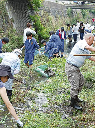 地域一体で新川清掃