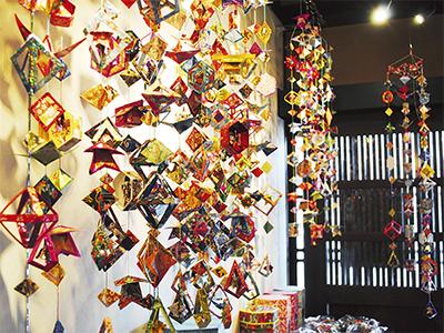 つるし飾りが北鎌倉彩る