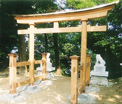 北野神社の鳥居装い新たに