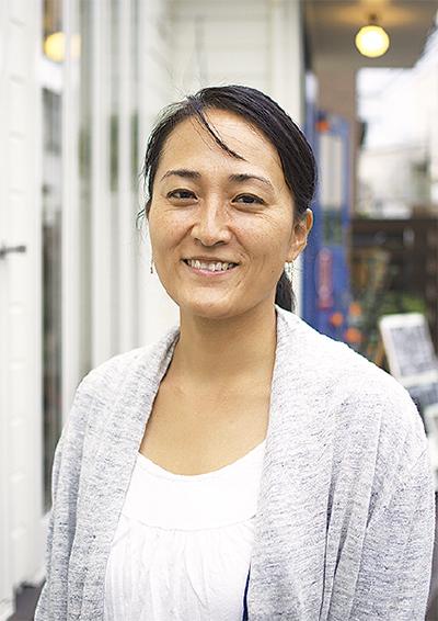ハワイ伝統カヌー 初の日本人クルー 内野さん長谷のカフェでトークイベント