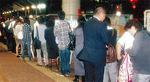JR不通でタクシー待ちの長蛇の列(茅ヶ崎駅北口ロータリー)