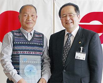 服部市長(右)と高橋さん(左)