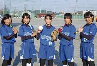 神奈川選抜として大舞台に挑む(左から)石垣さん、目黒さん、福島さん、石井さん、五日市さん