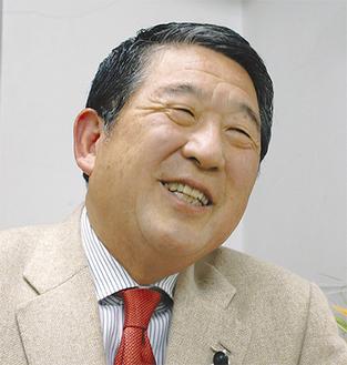 徳光和夫さん東京都目黒区に生まれ、学生時代に茅ヶ崎に移住。立教大学卒業後、日本テレビに入社。1988年の独立後、多方面で活躍中のフリーアナウンサー