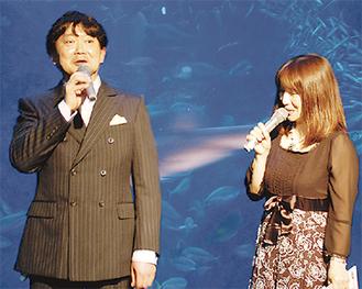 トークショーを行ったハギーさん(左)、司会の宮川浩子さん(右)