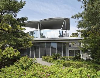 茅ヶ崎市美術館、カフェは2階にオープンする