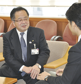 2017年の茅ヶ崎について語る服部市長