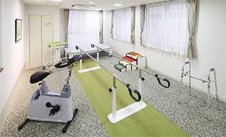 機器を備えた機能訓練室
