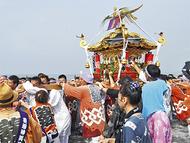 浜降祭で神輿集結