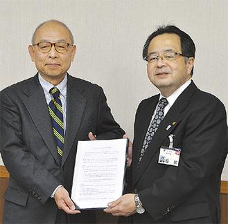 田中理事長(左)と服部市長