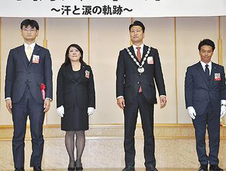 12月例会の様子。右から2人目が渡辺新理事長