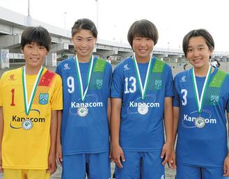 活躍を見せた市内在住の選抜メンバー左から廣瀬さん、石黒さん、斎藤さん、今澤さん