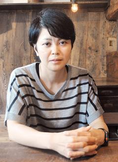 インタビューに答える藤田さん
