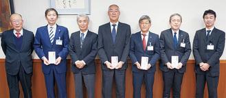左から3人目が梅田社長