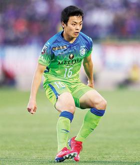 森保一日本代表監督の視察のもとアグレッシブな攻守の要となった齊藤
