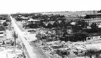 平塚海軍火薬廠の惨状。茅ヶ崎市も同様の状態だったという(所蔵米国国立公文書館/提供茅ヶ崎市)