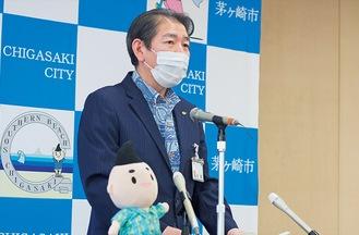 会見する佐藤市長