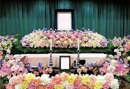 冬しか見られないスイートピーの花祭壇