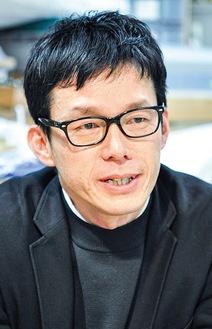 茅ヶ崎の方言について解説してくれた学芸員の須藤 格さん