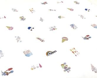 生徒の絵を使った包装紙