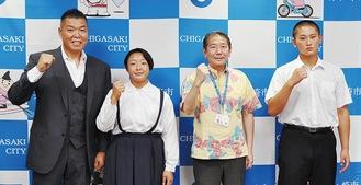 佐藤市長を表敬した小出さん、平野さん