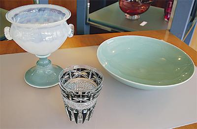 ガラスと陶器の調和
