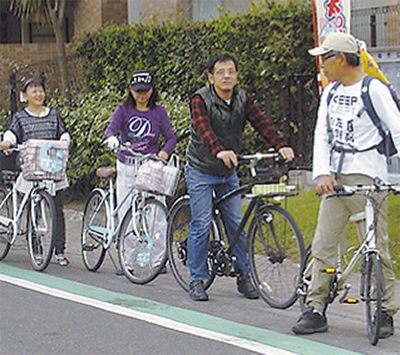 自転車で春の街を探索