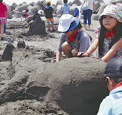 砂山で夏の想い出作り