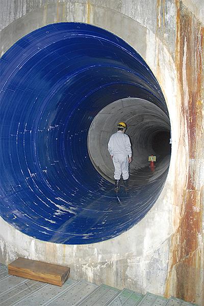 海を汚さぬトンネル竣工